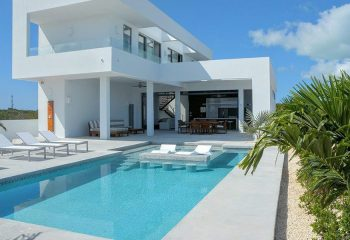 Why choose a villa on Turks and Caicos?