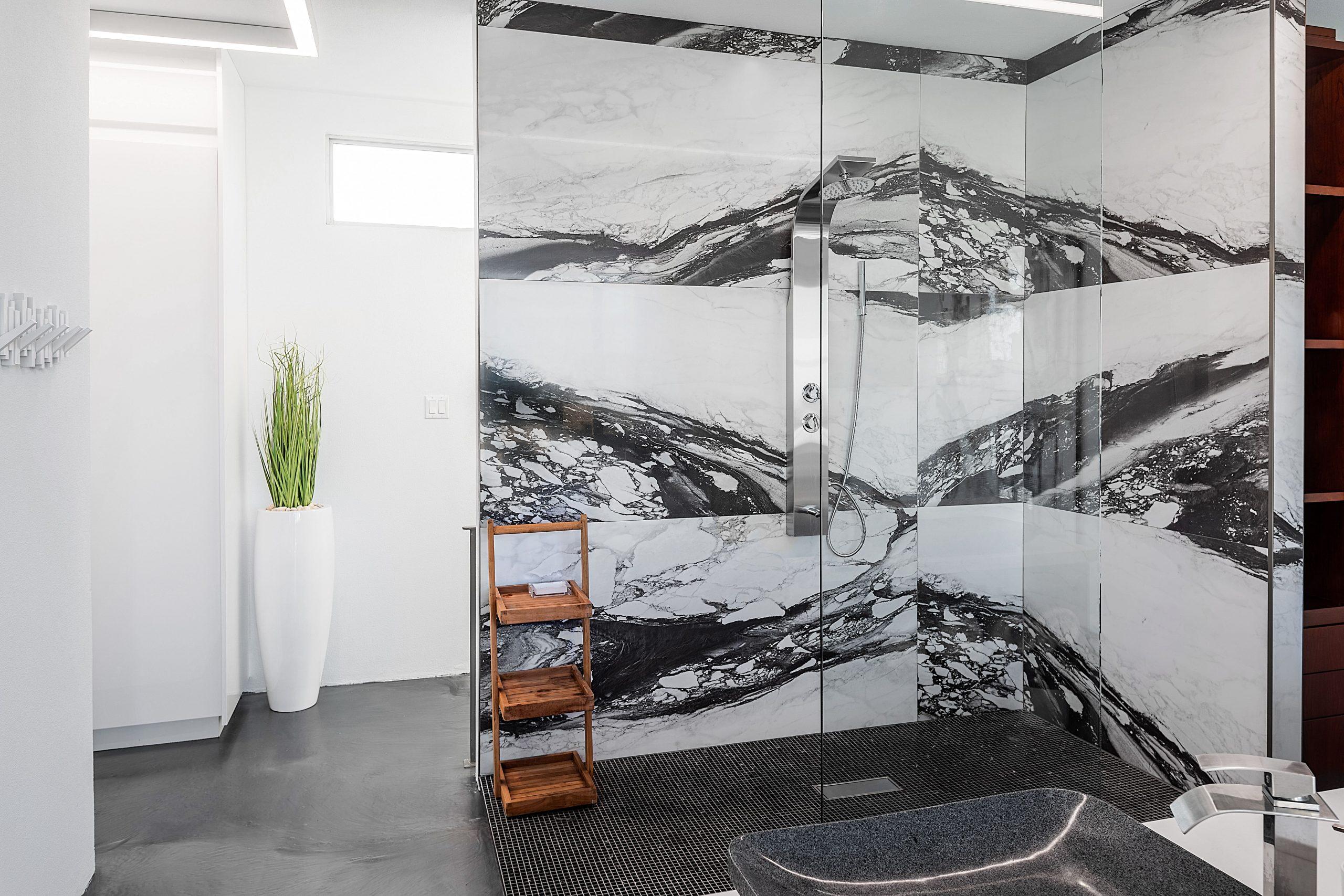 Bathroom White Villa 3