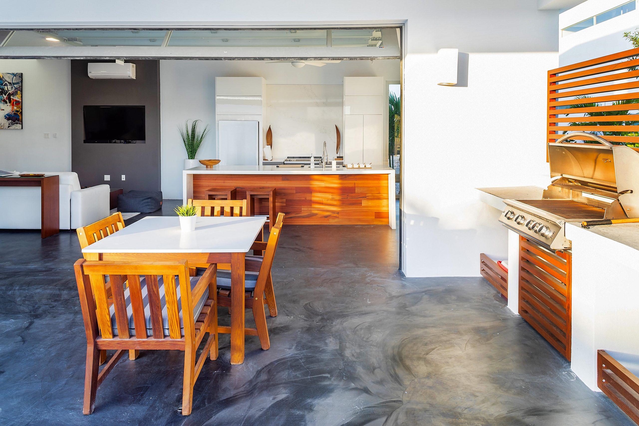 Outdoor kitchen - White Villa 3